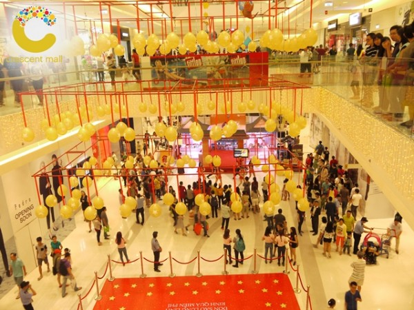 herstyle-crescent-mall-sale-khung-2