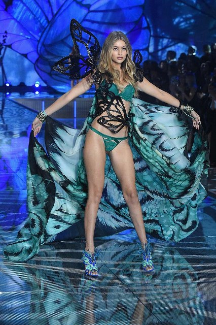 Victorias-Secret-Fashion-Show-2015-Gigi-Hadid-1