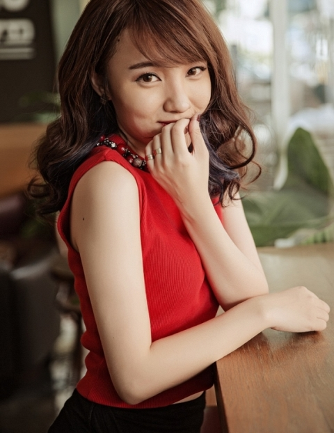 herstyle.com.vn-nhat-thuy-idol-1