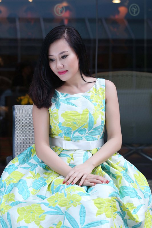 herstyle.com.vn-dam-du-tiec-huong-collection-mc-nguyet-anh-2