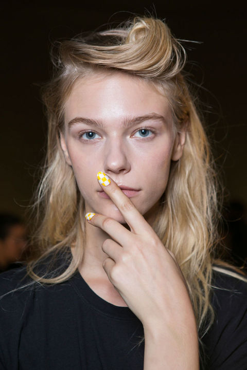 Her-World-Trend-Nail-Polish-Spring-2016-1