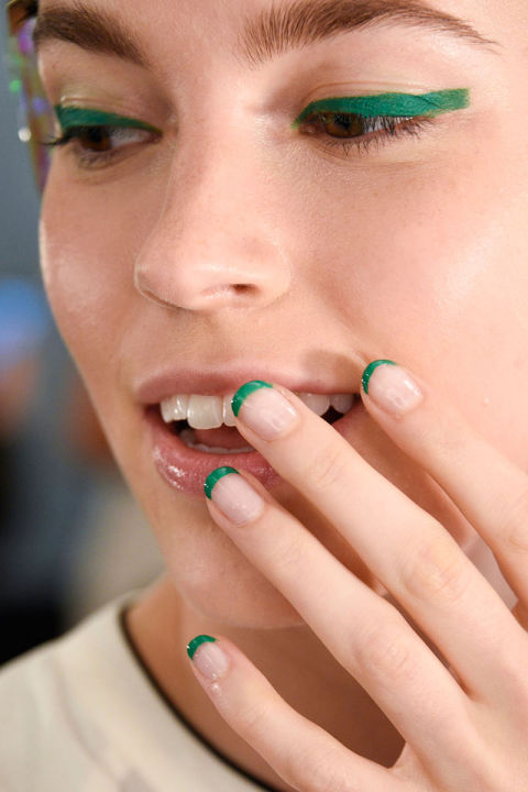 Her-World-Trend-Nail-Polish-Spring-2016-2