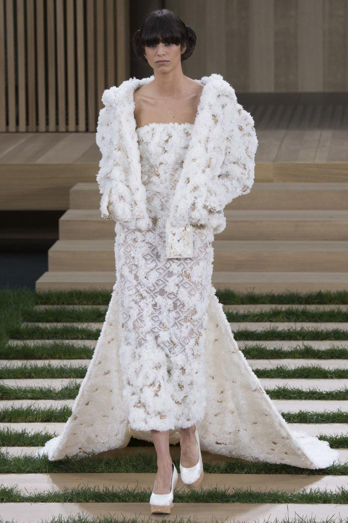 chanel-haute-couture-spring-2016-runway-3-e1453962587290