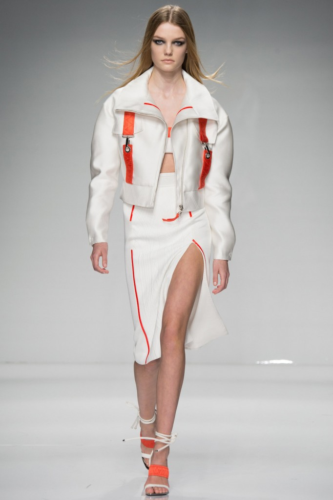 herstyle.com.vn-ATELIER-VERSACE-SPRING-2016-COUTURE-