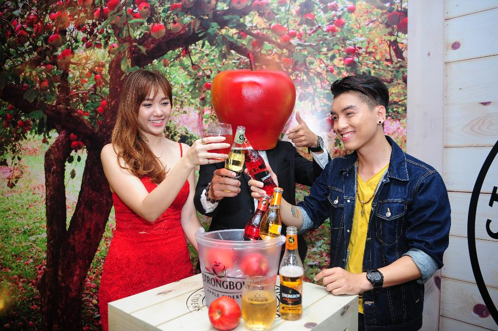 herstyle.com.vn-hariwon-ngoc-trai-strongbow-2