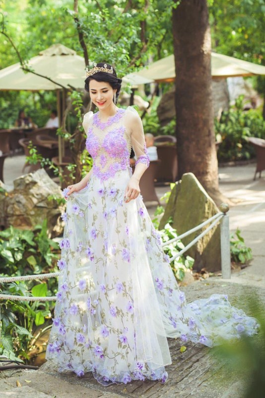 herstyle.com.vn-nguoi-dep-ly-thien-truc-sang-trong-va-quyen-ru-voi-ao-cuoi-tommy-nguyen-6