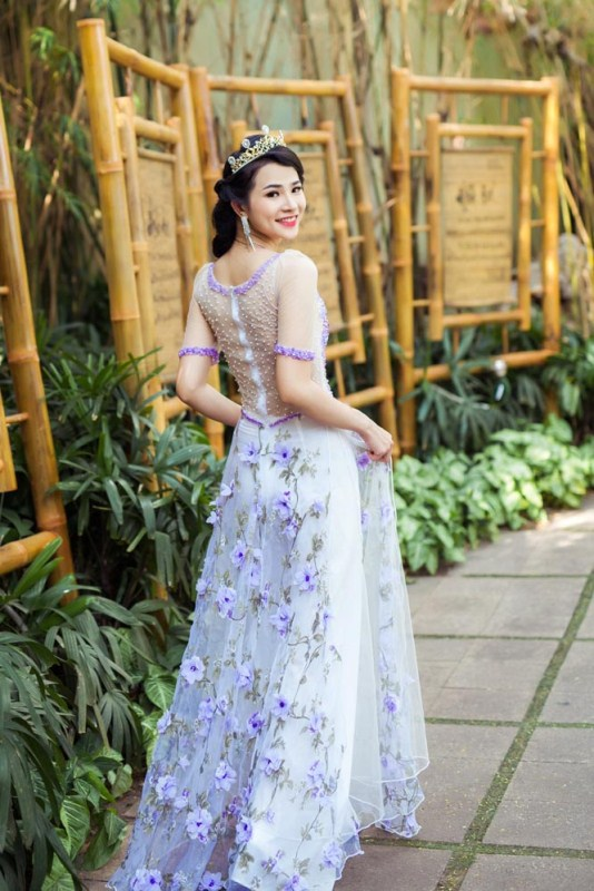 herstyle.com.vn-nguoi-dep-ly-thien-truc-sang-trong-va-quyen-ru-voi-ao-cuoi-tommy-nguyen-9