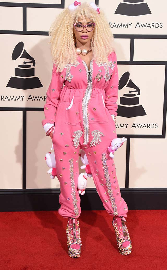 herstyle.com.vn-dencia-hello-kitty-2016-grammy-awards-arrivals-21516-1455586706120