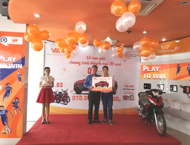herstyle.vn-Vietnamobile-trao-giai-thuong-2015-1.jpeg