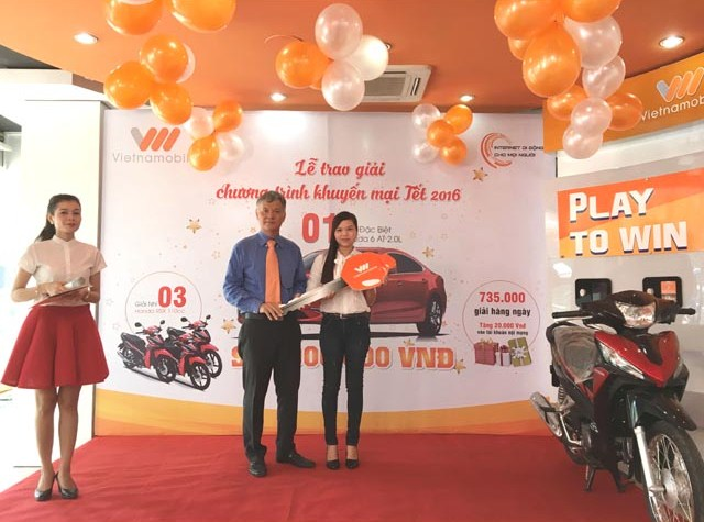 herstyle.vn-Vietnamobile-trao-giai-thuong-2015-2