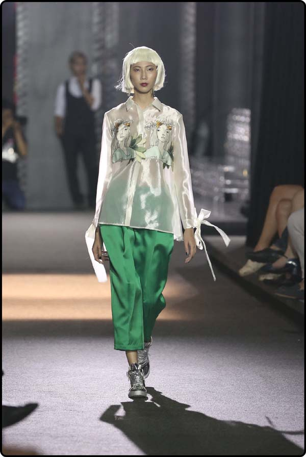 herstyle.com.vn-LE HA RUNWAY-4