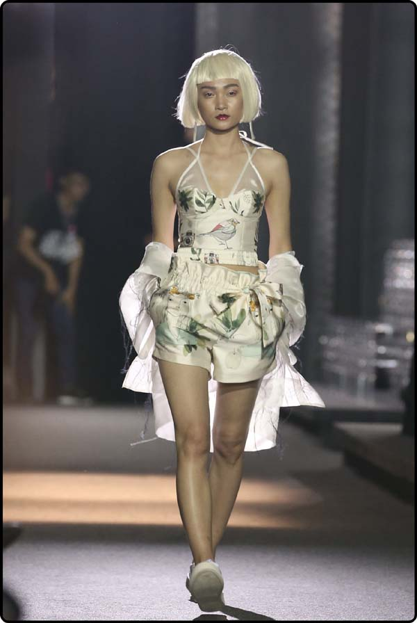 herstyle.com.vn-LE HA RUNWAY-8