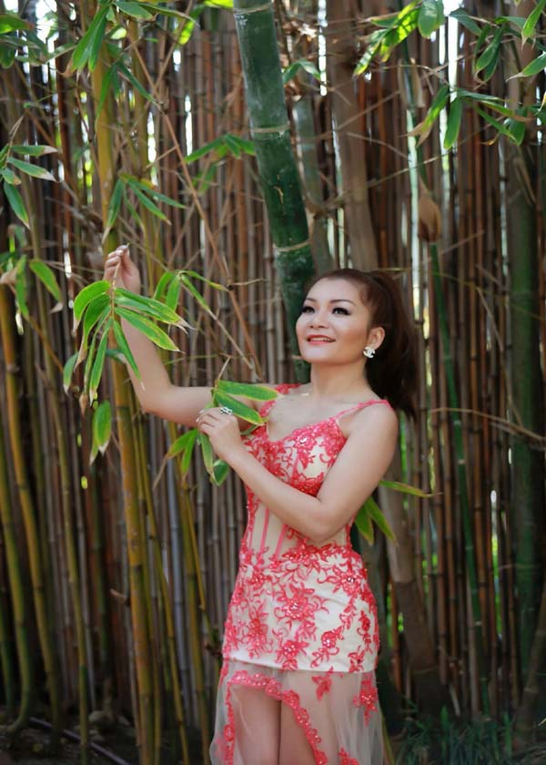 herstyle.vn-a-hau-ca-si-lam-hoang-my-1