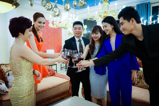 herstyle.vn-thanh-duoc-van-anh-den-cao-cap-an-phuoc-luxury-8