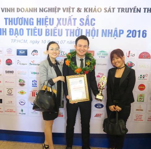 herstyle.vn-oriflame-nhan-giai-thuong-3