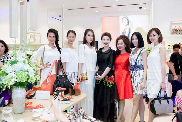 herstyle.vn-nine-west-combo-store-saigon-centre-8