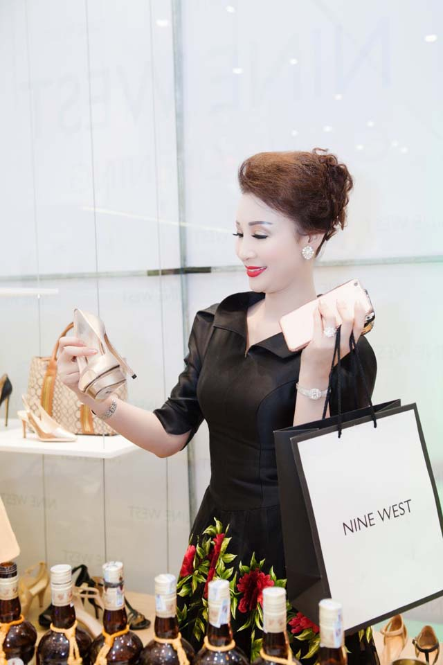 herstyle.vn-nine-west-combo-store-saigon-centre-9