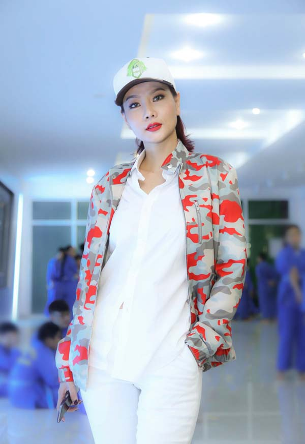 herstyle.vn-ntk-nguyen-trung-my-dai-hoi-my-nam-3