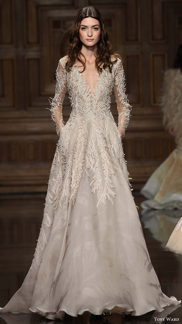 herstyle.com.vn-tony-ward-couture-fall-2016-long-sleeves-deep-vneck-embroidery-a-line-evening-dress-10-mv