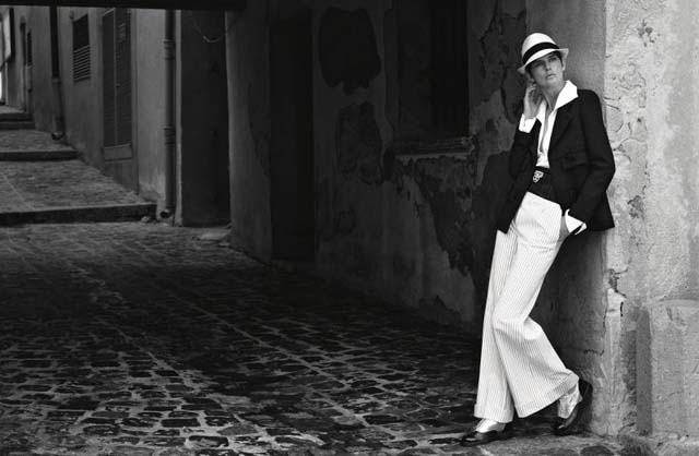 herstyle-com-vn-02_chanel-2016-17-cruise-collection-ad-campaign-by-karl-lagerfeld-copy-800x522