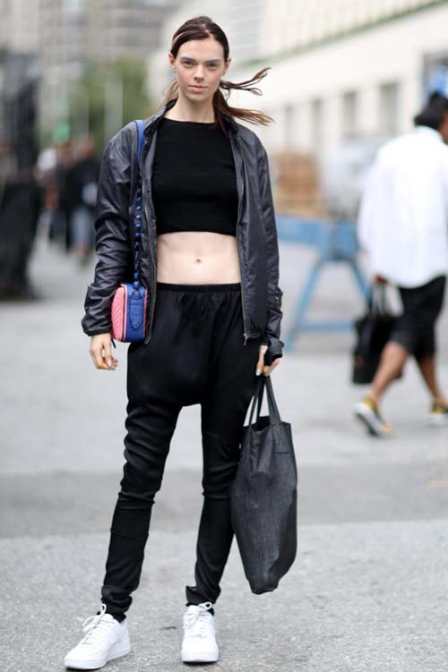 herstyle-com-vn-dien-bomber-jacket-chat-nhu-fashionista-the-gioi-666x1000