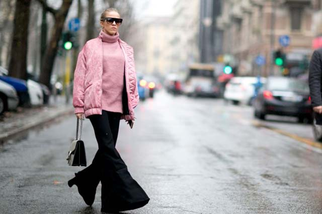 herstyle-com-vn-dien-bomber-jacket-chat-nhu-fashionista-the-gioi12-700x467