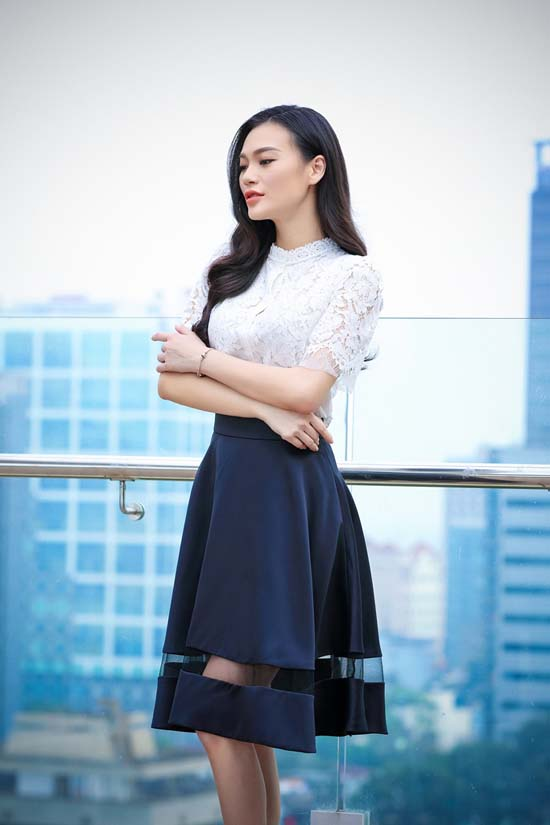herstyle-vn-cao-thuy-linh-huong-collection-1