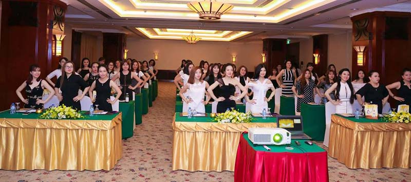 herstyle-vn-hoi-nghi-khach-hang-my-pham-be-nature-11