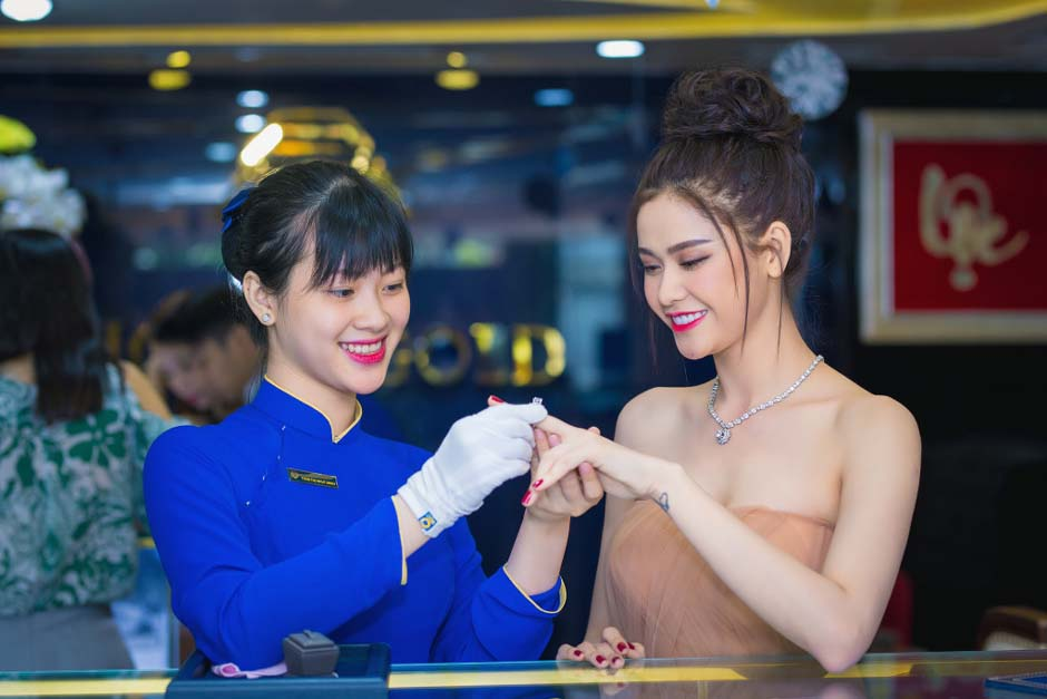 herstyle-vn-truong-quynh-anh-tuan-le-kim-cuong-da-quy-sjc-3