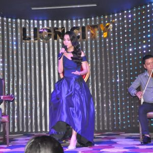 herstyle-vn-minishow-hien-thuc-nha-hang-lion-city-1